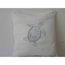 Cuscino ricamato con tartaruga